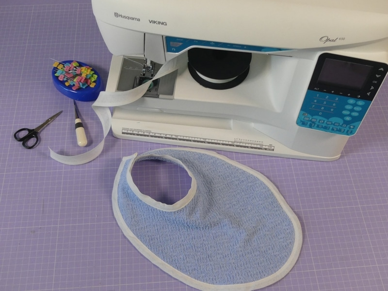 00 - come cucire un bavaglino di spugna con lo sbieco - sara poiese