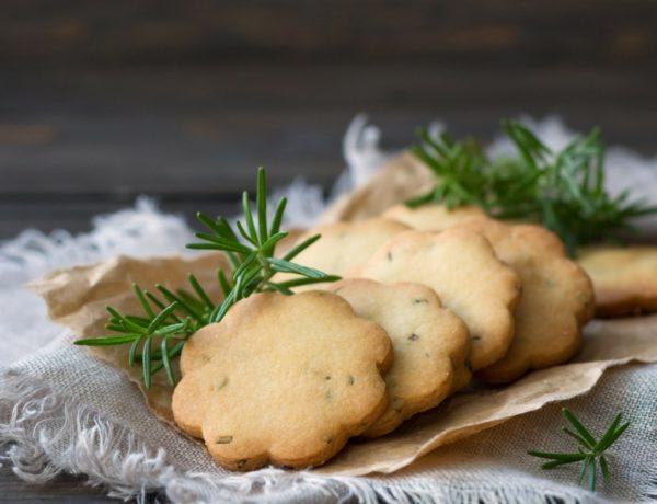 biscotti con formaggio e rosmarino - sara poiese