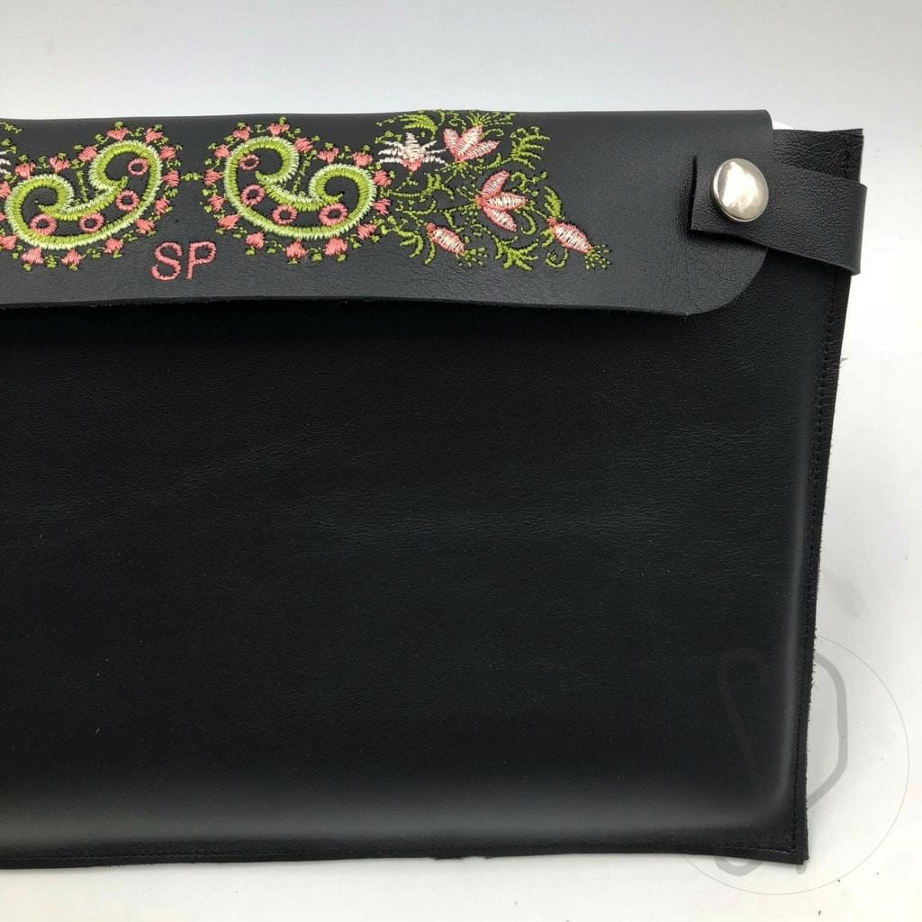 02 - come cucire il porta notebook in pelle - sara poiese